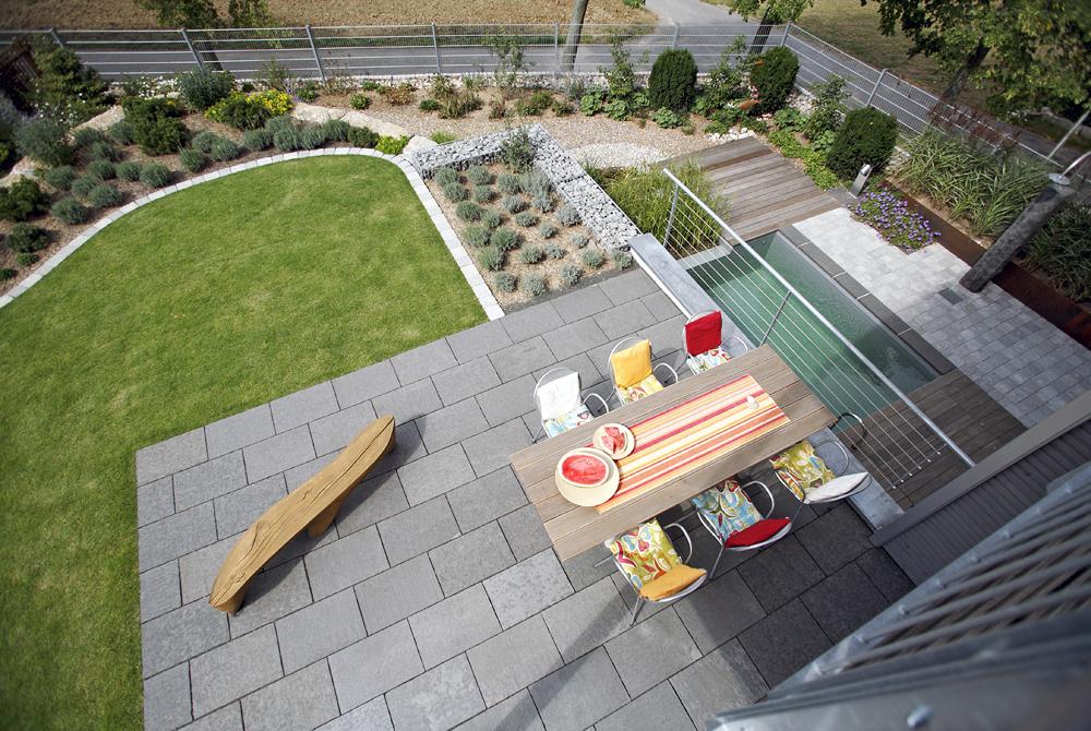 projekt 2 naturpool gartendusche schwimmteich. Black Bedroom Furniture Sets. Home Design Ideas